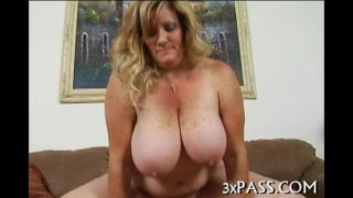 Big beautiful woman orall-service