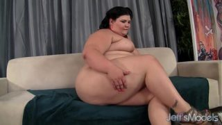 Fatty beauty Juicy Jazmynne gets her pussy filled with cock.